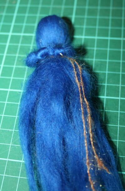 Mobile in lana cardata per la culla del neonato 16