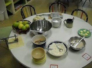 Attività di vita pratica Montessori - cucinare 10