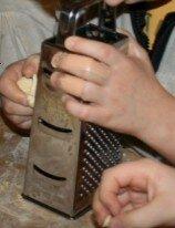 Attività di vita pratica Montessori - cucinare 15