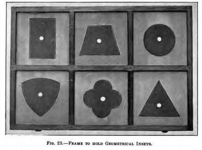 Cofanetto delle figure geometriche piane Montessori presentazione ed esercizi 13