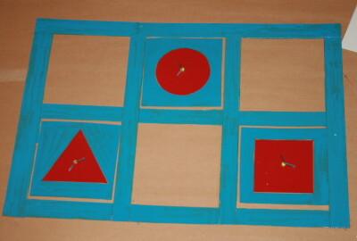 Cofanetto delle figure geometriche piane Montessori presentazione ed esercizi 14