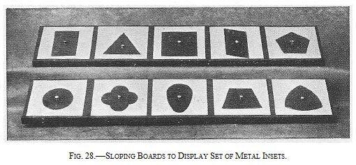 Prescrittura Montessori - come si usano gli incastri metallici 1