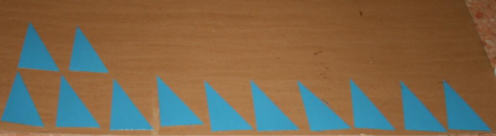 Triangoli blu Montessori 4
