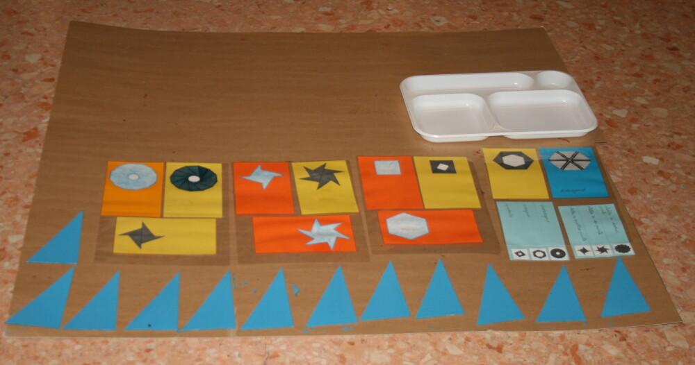 Triangoli blu Montessori 6