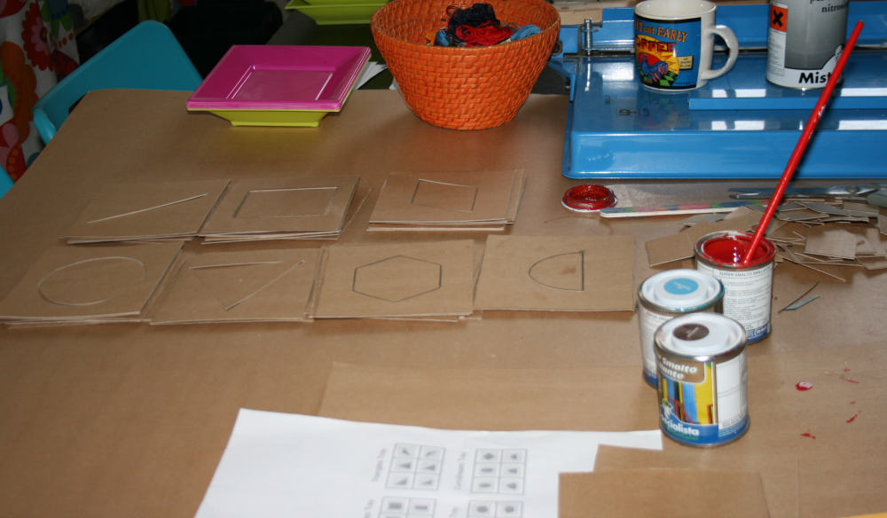 Tutorial DIY Montessori costruire il cofanetto delle figure geometriche 13