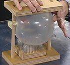 Esperimenti scientifici per bambini - Il palloncino sul letto di chiodi 3