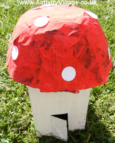 toadstool_house_440