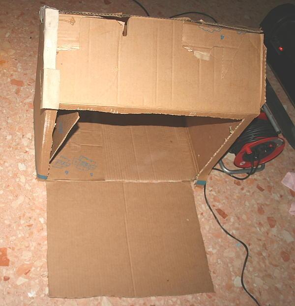 casa di cartone riciclato3