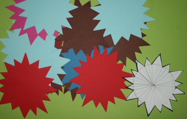 Addobbi fai da te natalizi telai a stella lapappadolce for Addobbi natale scuola primaria