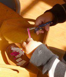 Metodo Montessori attività di vita pratica 8