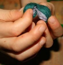 Geodi di feltro e palline di feltro coi bambini 12
