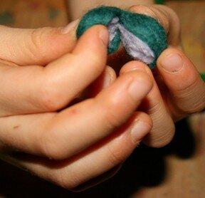 Geodi di feltro e palline di feltro coi bambini 15