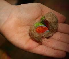 Geodi di feltro e palline di feltro coi bambini 9