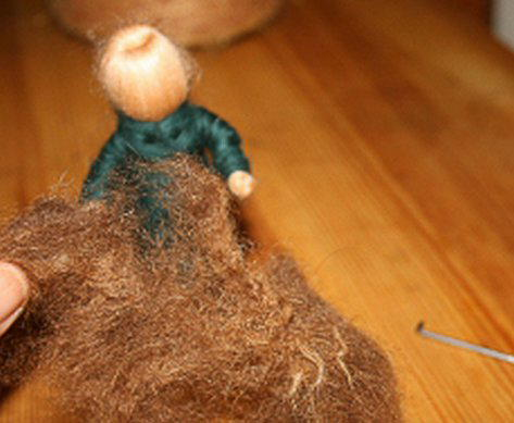 Presepe in lana cardata tutorial - Maria, Giuseppe, Gesù bambino, i pastori e i Re Magi 17