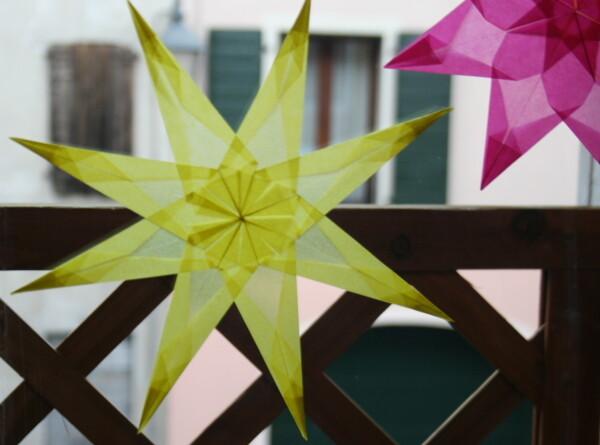 LAVORETTI PER NATALE – stella di carta trasparente – modello 5
