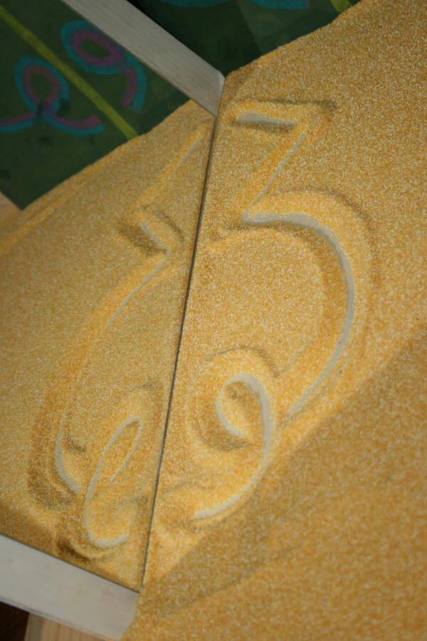 Lavagna di sabbia Montessori - Apprendimento della scrittura 6