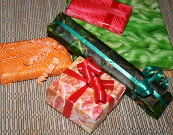Lavoretti per Natale – carta da regalo realizzata con pittura e stampa a colla