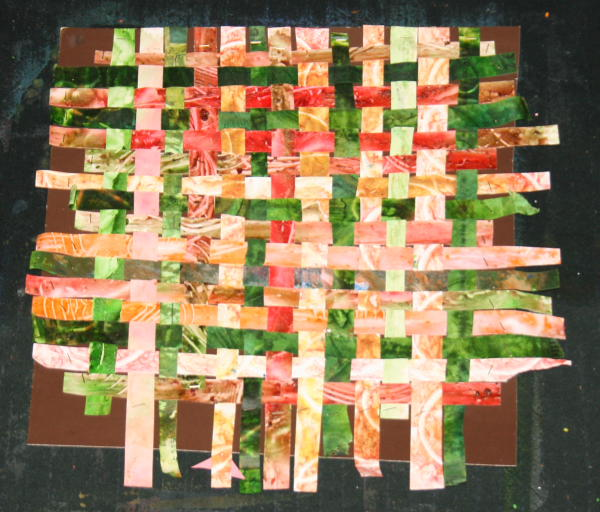 Lavoretti con la carta – Tessitura con strisce di carta