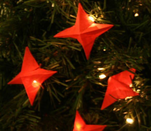 Addobbi natalizi fai da te – semplici stelline per le lucette dell'albero di Natale