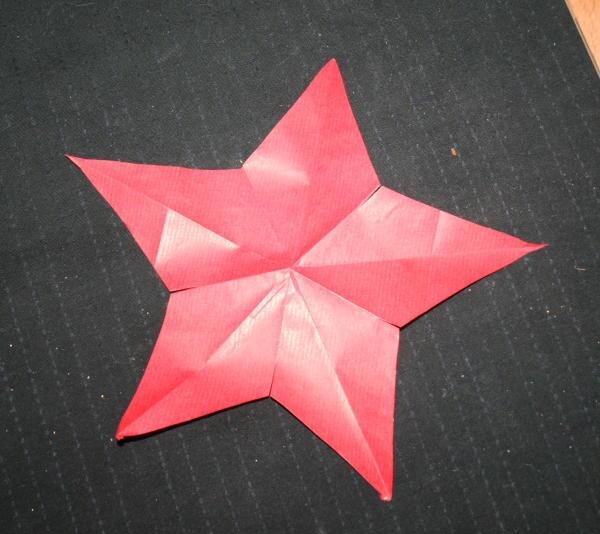 Disegnare Una Stella Di Natale.Addobbi Natalizi Fai Da Te Stella Di Carta A Cinque Punte La