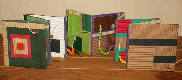 Creare libri per i bambini – un abaco leporello