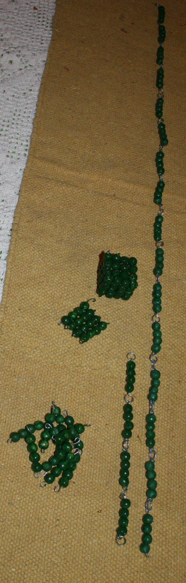 Costruire il materiale delle perle colorate Montessori perle-colorate-Montessori-14