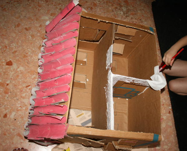 The animal farm made ​​from recycled cardboard