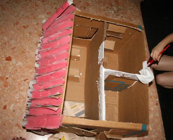 Fattoria degli animali in cartone riciclato for Porte francesi della fattoria