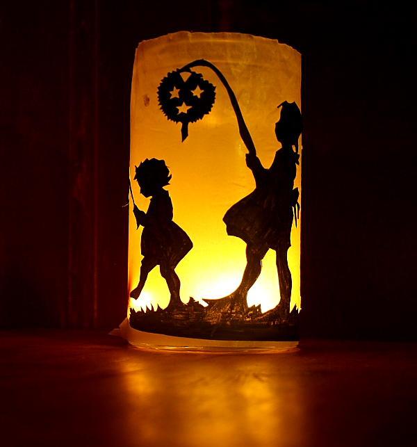 Lanterna per San Martino con sagome ritagliate