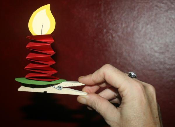 LAVORETTI PER NATALE candelina con molletta