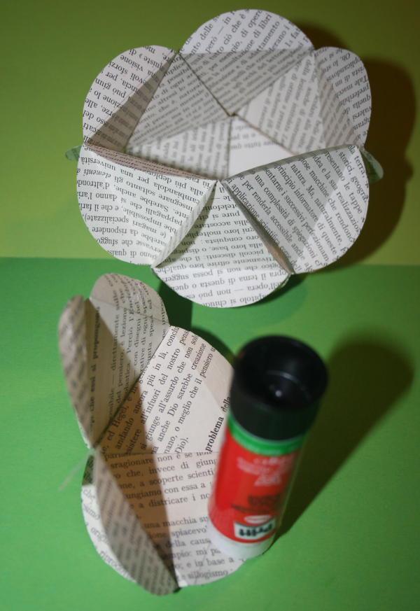 Pallina di carta per l'albero di Natale