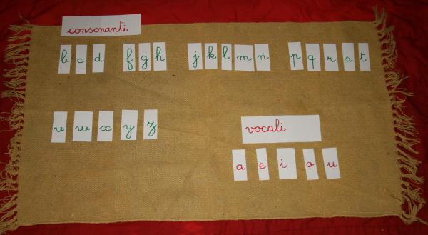 Vocali e consonanti col metodo Montessori