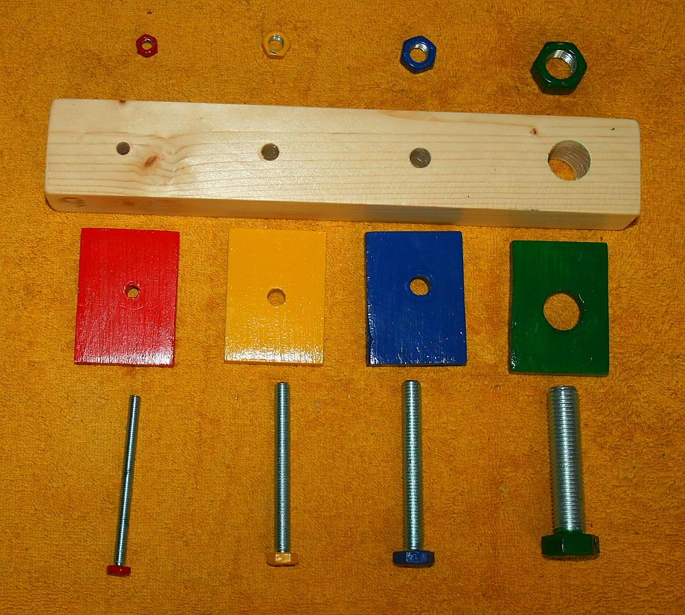 Montessori da zero a tre anni: avvita/svita